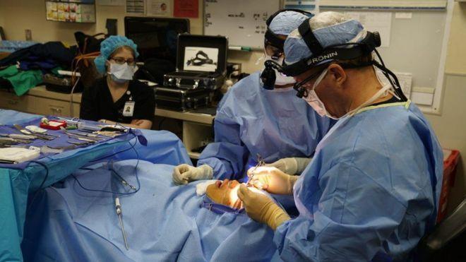 Photo of Люди охотнее идут к пластическим хирургам. Помог карантин