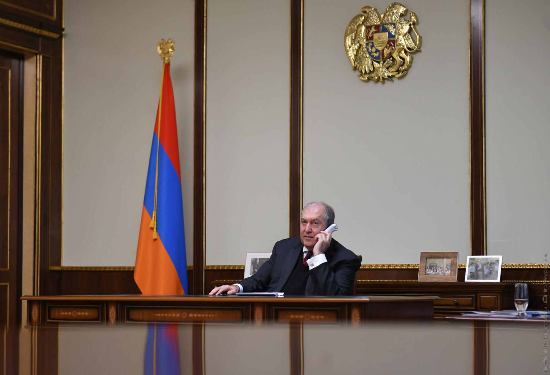 Photo of Президент Саркисян провёл телефонный разговор с Председателем ВСС