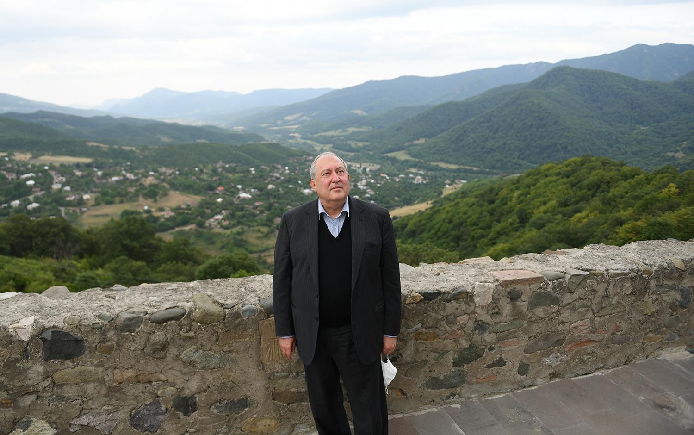 Photo of Նախագահ Արմեն Սարգսյանն այցելել է Գանձասարի վանական համալիր