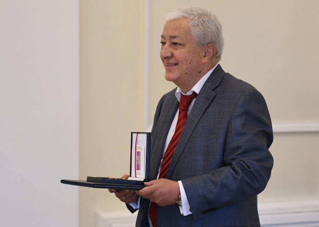 Photo of Նախագահ Սարգսյանը պարգևներ է հանձնել երաժշտության, արվեստի, սպորտի բնագավառների մի խումբ ներկայացուցիչների