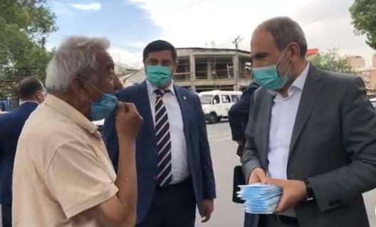 Photo of В Армении открылись пункты раздачи бесплатных масок