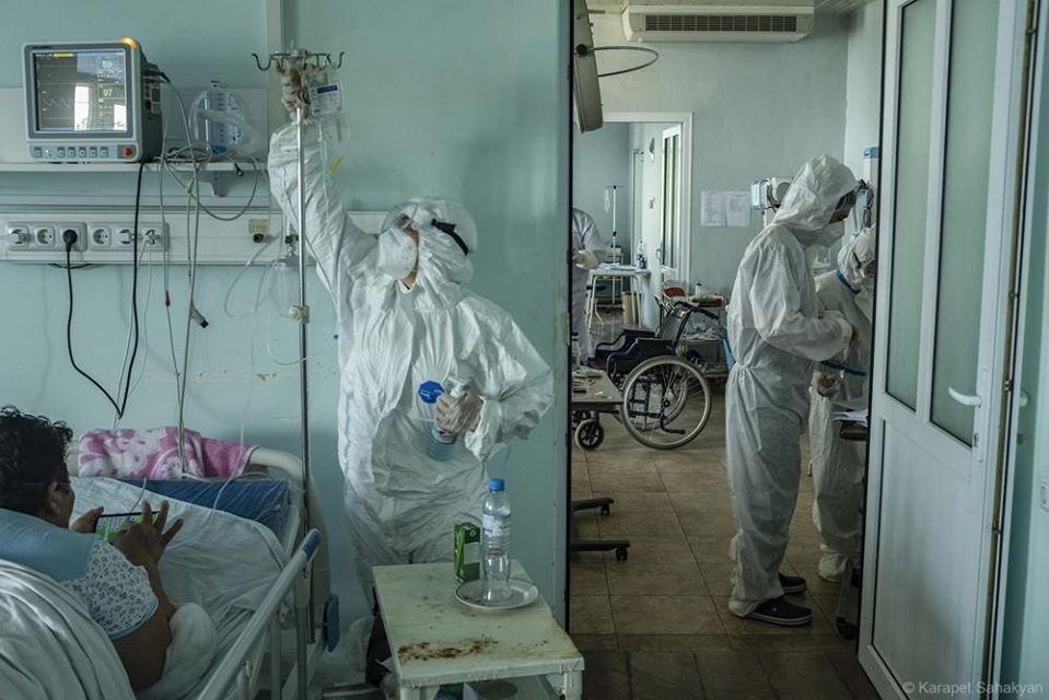 Photo of Պայքար կորոնավիրուսի դեմ․ Առողջապահության նախարարը վերակենդանացման բաժանմունքից լուսանկարներ է հրապարակել