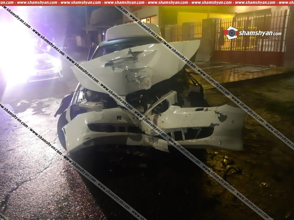Photo of Ավտովթար Երևանում. բախվել են BMW-ն ու Նիվան. կան վիրավորներ