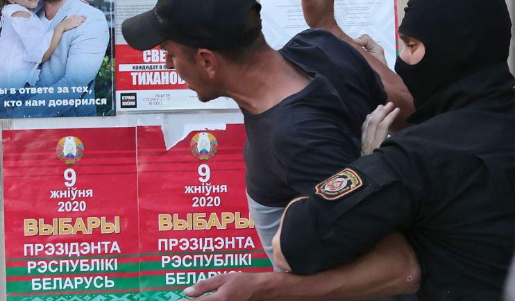 Photo of Задержания, гражданская солидарность и военные в Минске