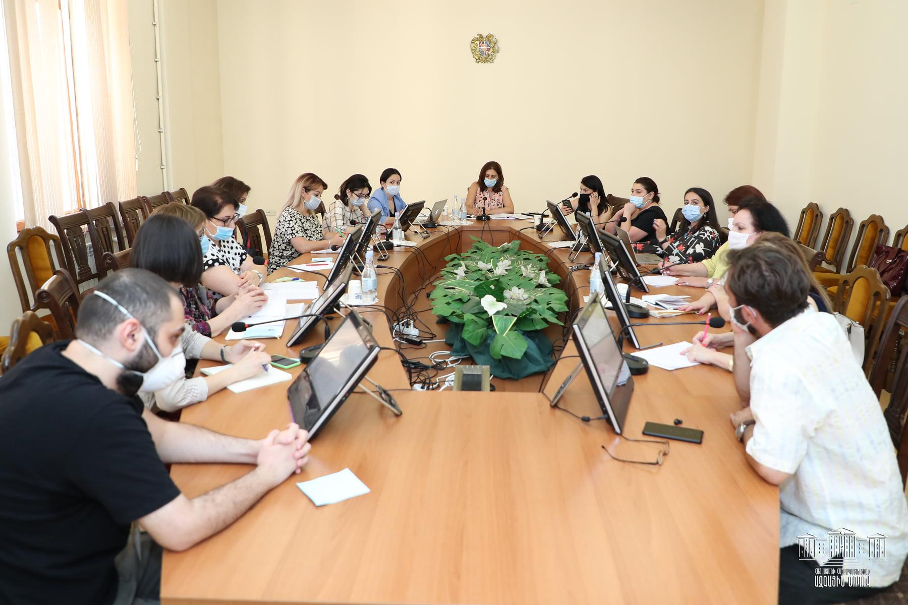 Photo of Ազգային ժողովում տեղի է ունեցել աշխատանքային հանդիպում կրթության ոլորտի արդիական թեմաների վերաբերյալ