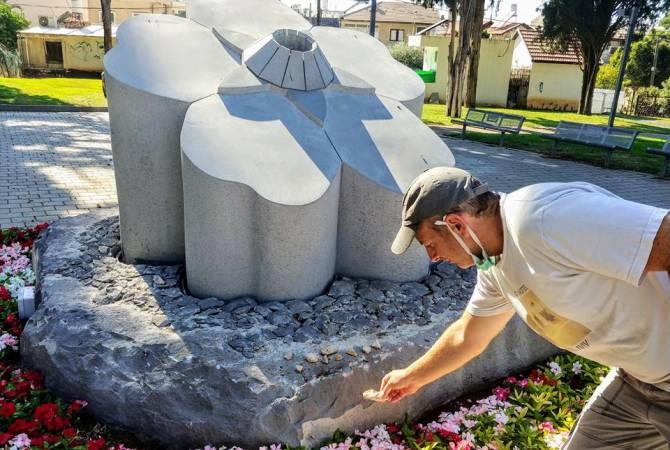 Photo of Лапшин посетил памятник жертвам Геноцида армян в Израиле