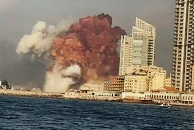 Photo of В Бейруте прогремел мощный взрыв