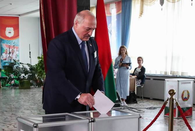 Photo of Лукашенко побеждает на выборах президента Белоруссии с 80,23%. Тихановская набирает 9,9%