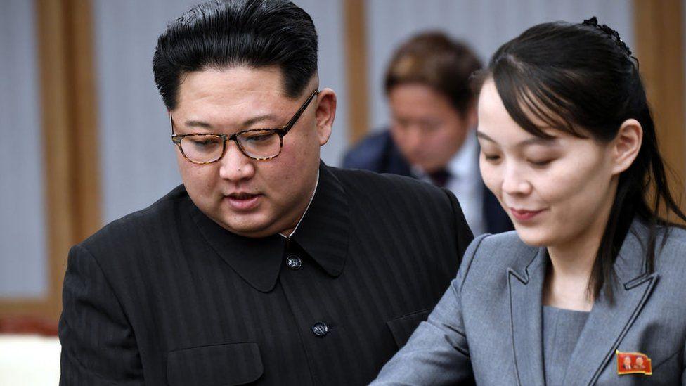 Photo of Лидер КНДР Ким Чен Ын отдал часть полномочий сестре, чтобы «облегчить стресс», – южнокорейская разведка
