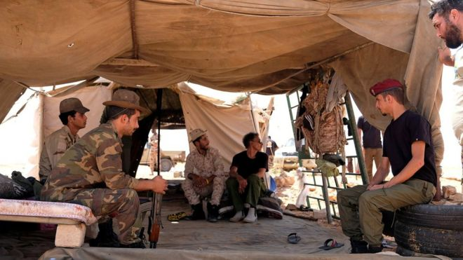 Photo of Конфликт в Ливии: враждующие стороны заключили перемирие. Долго ли оно продлится?