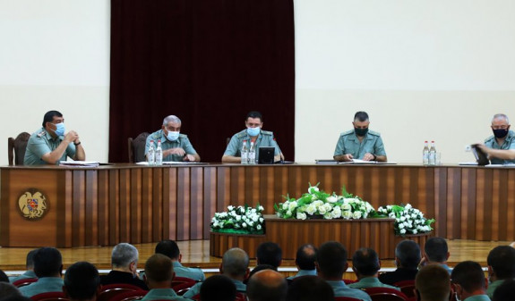 Photo of Ջալալ Հարությունյանի ղեկավարությամբ անցկացվել է ռազմական խորհրդի նիստ