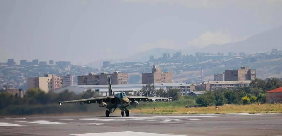 Photo of Штурмовая авиация ВС РА продолжает учения в рамках внезапных проверок.