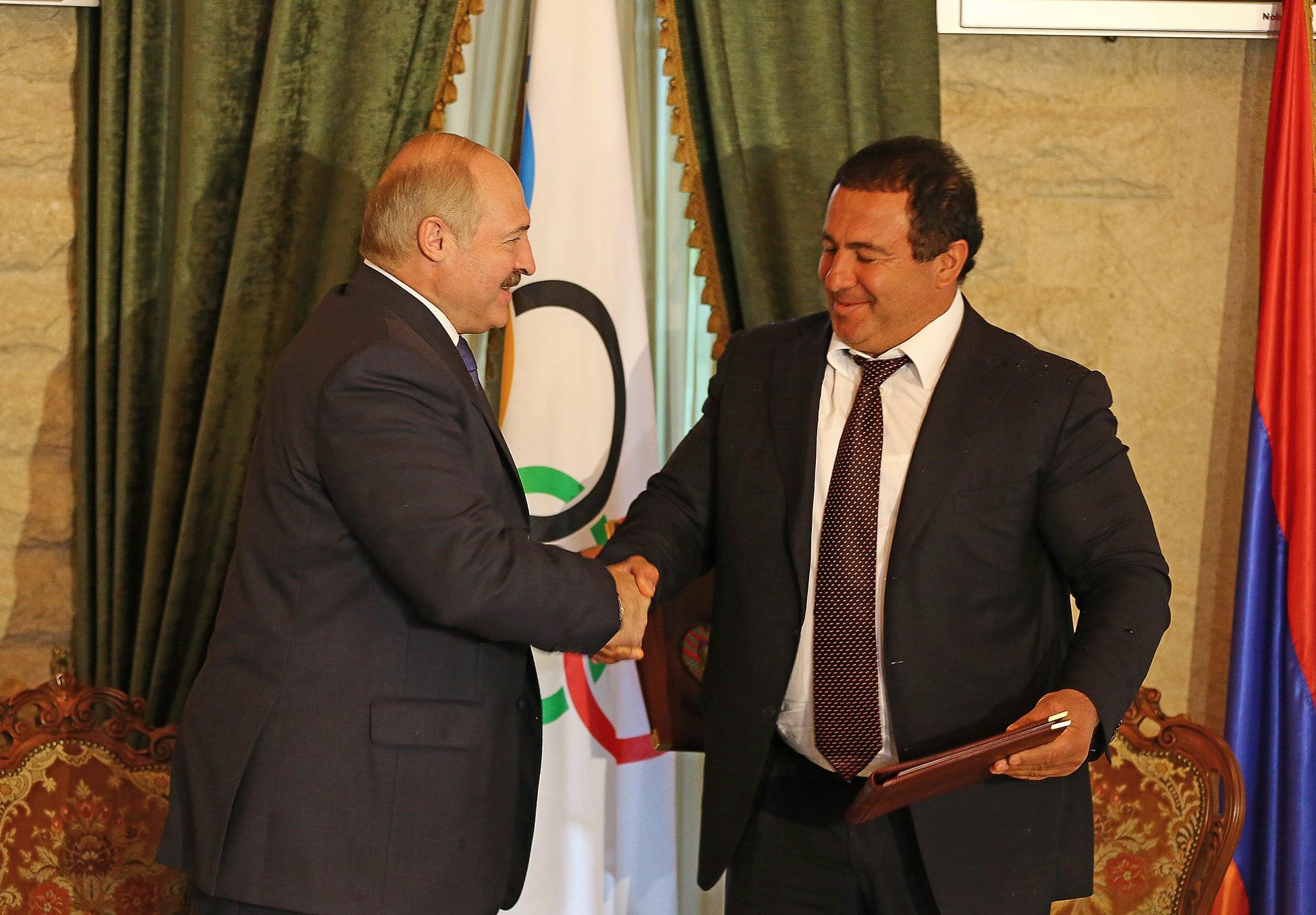 Photo of Գագիկ Ծառուկյանը շնորհավորել է Ալեկսանդր Լուկաշենկոյին նախագահ վերընտրվելու կապակցությամբ