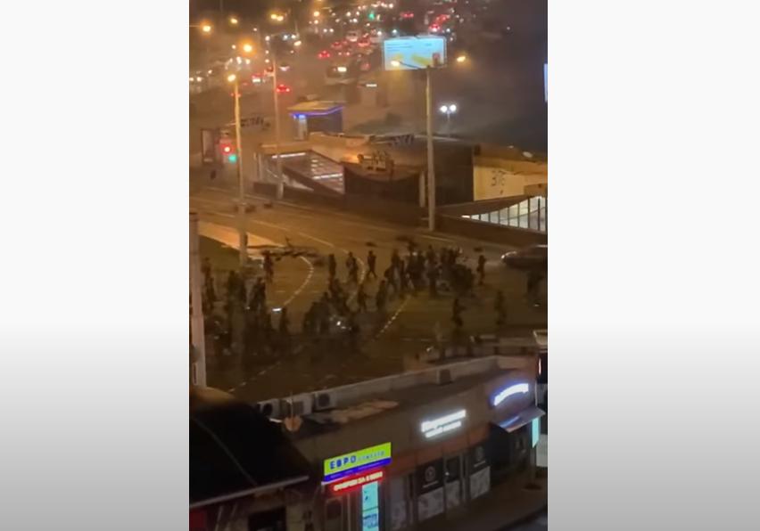 Photo of В сети появилось видео, на котором запечатлен момент гибели участника митинга в Минске.