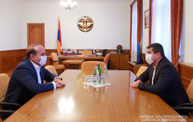 Photo of Արայիկ Հարությունյանն ընդունել է Հովիկ Աբրահամյանին