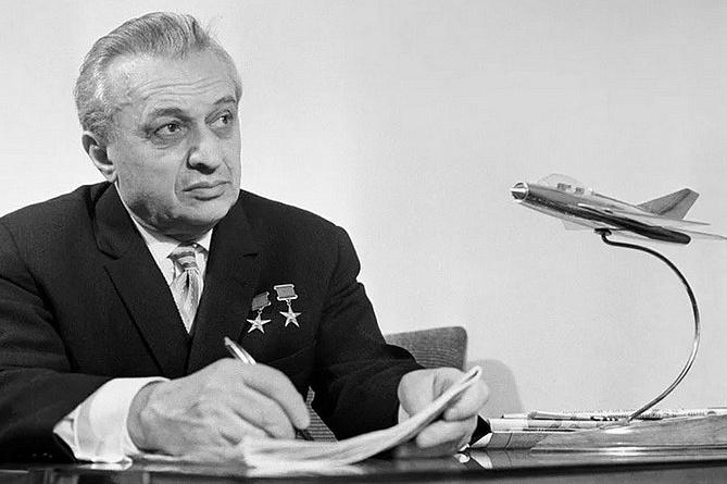 Photo of «Есть только «МиГ» или пять фактов о легендарном авиаконструкторе Артеме Микояне