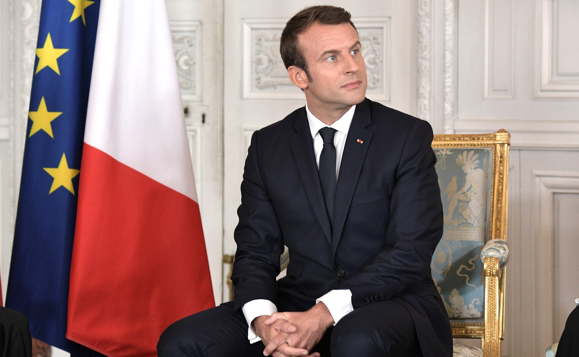 Photo of Макрон: Франция готова предоставить Навальному медицинскую помощь и убежище