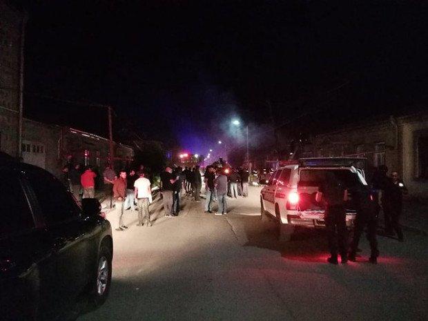 Photo of Ախալքալաքում կրքերը չեն հանդարտվում՝ հրդեհվել է երկու տուն եւ հյուրանոց․ կան վիրավորներ