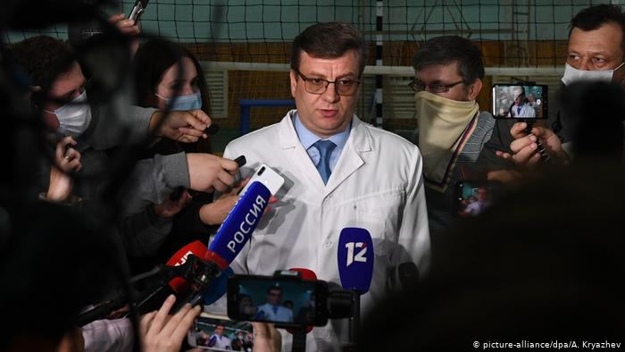 Photo of Жена Навального убеждена, что врачи от нее что-то скрывают