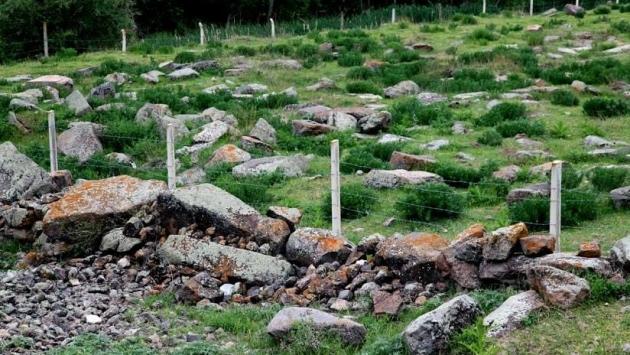 Photo of Անկարայում հայկական գերեզմանոց է պղծվել. աճյունները դուրս են հանվել գերեզմաններից
