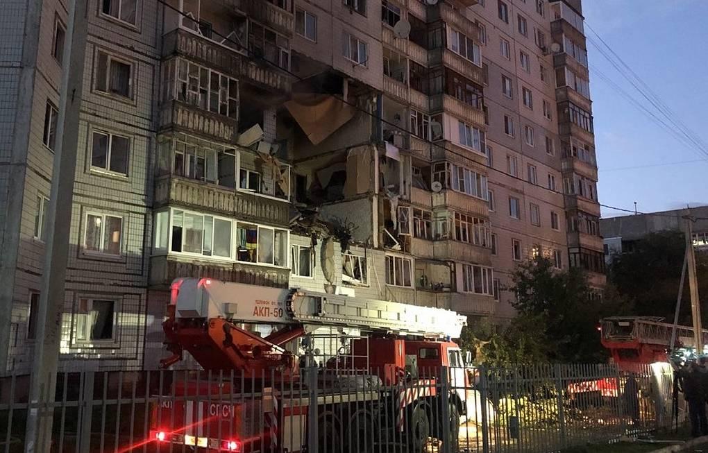Photo of В Ярославле в жилом доме обрушились перекрытия трех этажей в результате взрыва газа