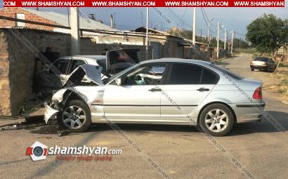 Photo of Ավտովթար Արմավիրի մարզում. բախվել են BMW-ն ու Mercedes-ը, վերջինն էլ փլուզել է քարե պարիսպը. 7 վիրավորների մեջ կան երեխաներ