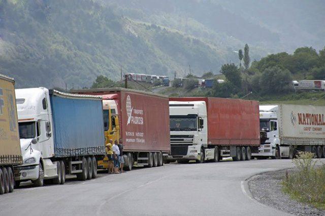 Photo of Ստեփանծմինդա-Լարս ավտոճանապարհը փակ է. կա կուտակված 340 բեռնատար ավտոմեքենա