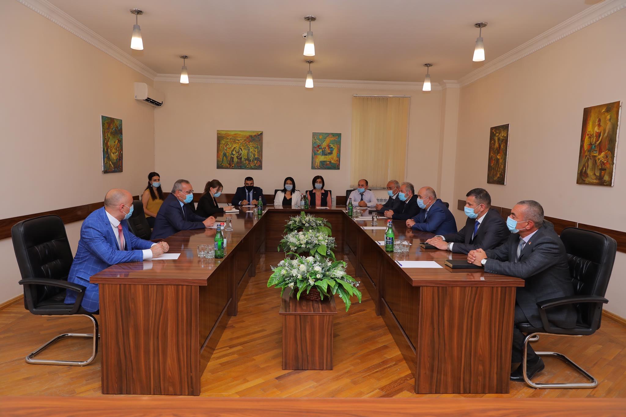 Photo of Արցախի ԱԺ նախագահը հանդիպել է Անվտանգության խորհրդի քարտուղար Սամվել Բաբայանի հետ