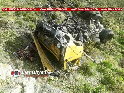 Photo of Ողբերգական ավտովթար Սյունիքի մարզում. КамАЗ-ը 150 մետր գլորվելով՝ հայտնվել է ձորում. կա 1 զոհ, 3 վիրավոր