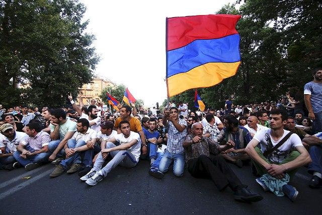 Photo of Հայաստանում կարող են տեղի ունենալ ցույցեր, երթեր, հանրահավաքներ. Փաշինյան