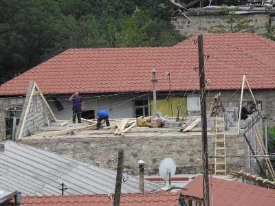 Photo of Разрушенный азербайджанской артиллерией Айгепар восстанавливается