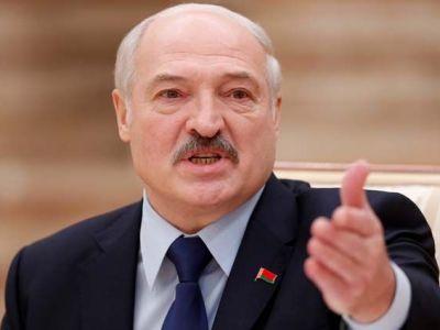 Photo of Лукашенко: Принимаем Конституцию, и я вам свои полномочия по Конституции передам