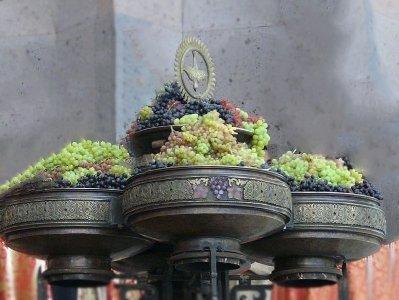 Photo of В Армении празднуют Успение Пресвятой Богородицы, освящение винограда