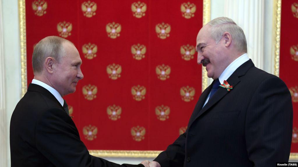 Photo of Путин и Лукашенко обсудили задержание россиян в Белоруссии