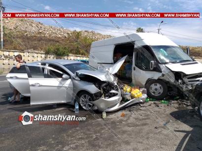 Photo of Խոշոր ավտովթար Երևանում. բախվել են Hyundai Sonata-ն, Opel Astra-ն և Ford Transit-ը. 3 վիրավորների մեջ կա երեխա