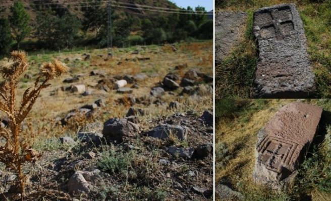 Photo of Մուրադ Մըհչը․ «Միտումնավոր աչք է փակվում Սթանոզի (Անկարա) հայկական գերեզմանոցն ավերելու վրա»