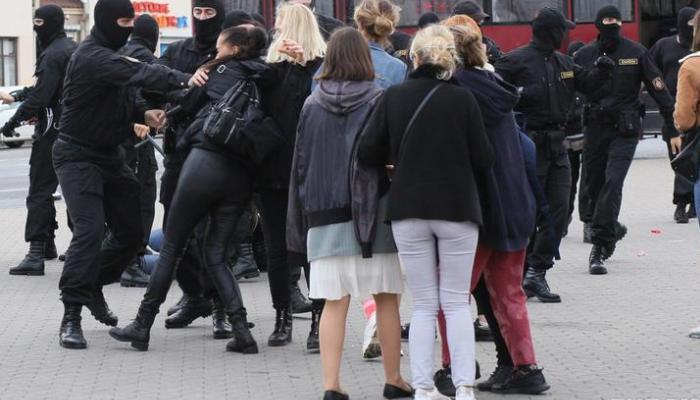Photo of Как силовики задерживают участников акции в Гродно