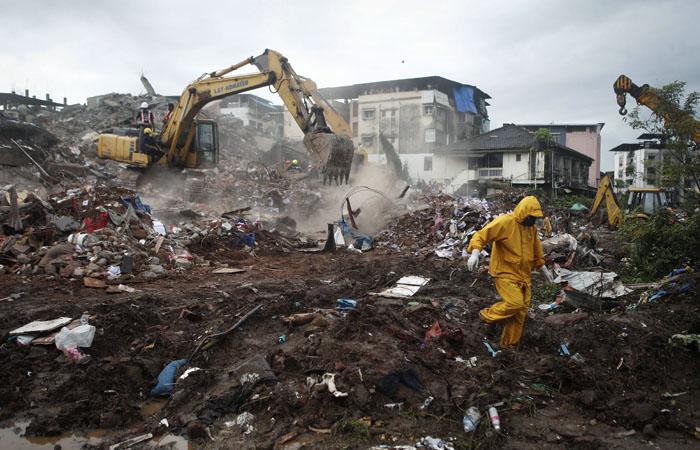 Photo of В Индии рухнул шестиэтажный жилой дом