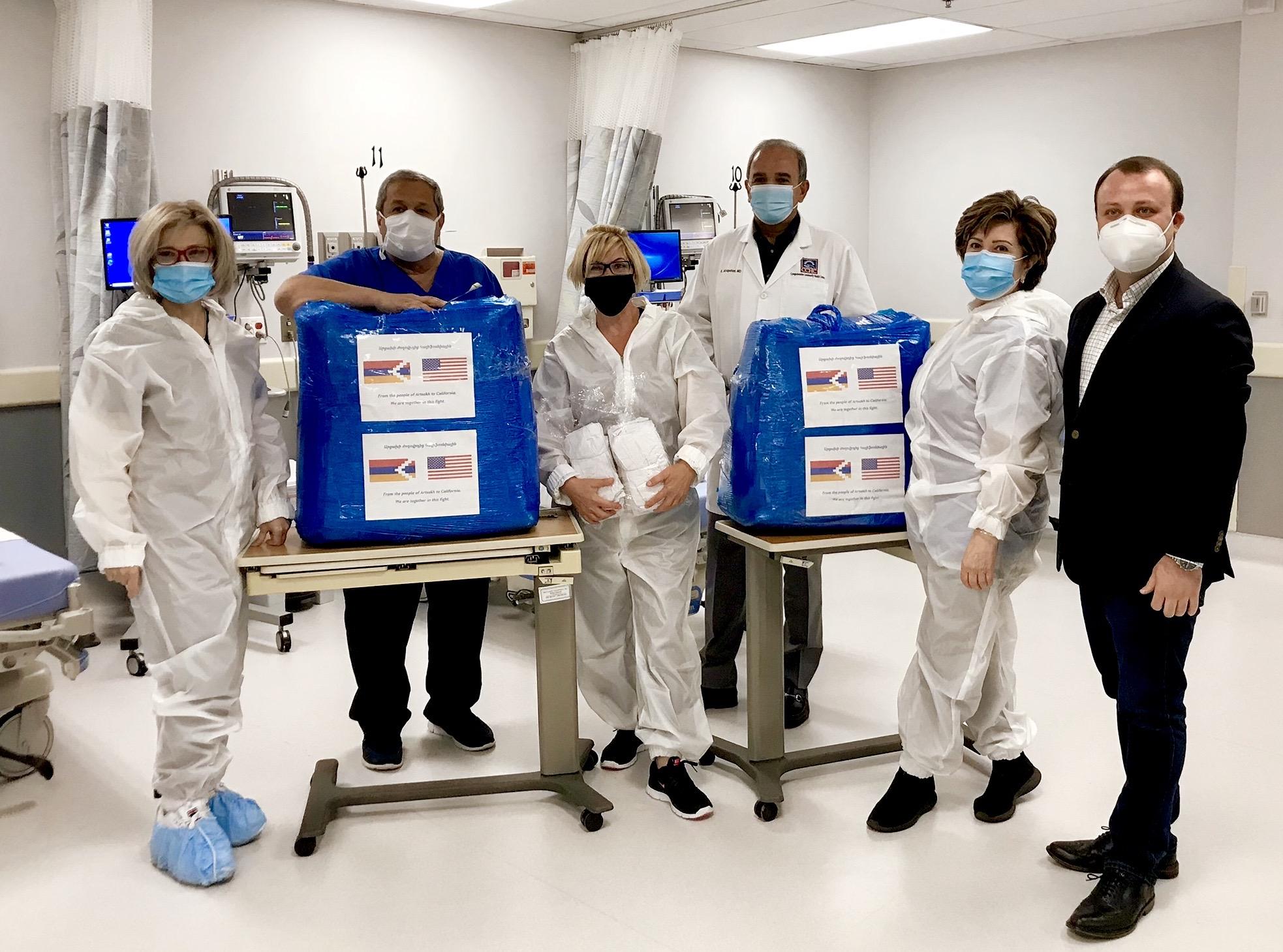 Photo of Արցախից մարդասիրական օգնությունը փոխանցվել է Լոս Անջելեսի «Chevy Chase» վիրաբուժության կենտրոն