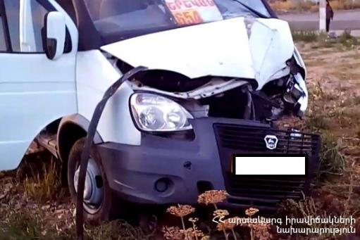 Photo of Իջևան-Երևան երթուղային «ԳԱԶելը» վթարի է ենթարկվել․ կա 12 տուժած