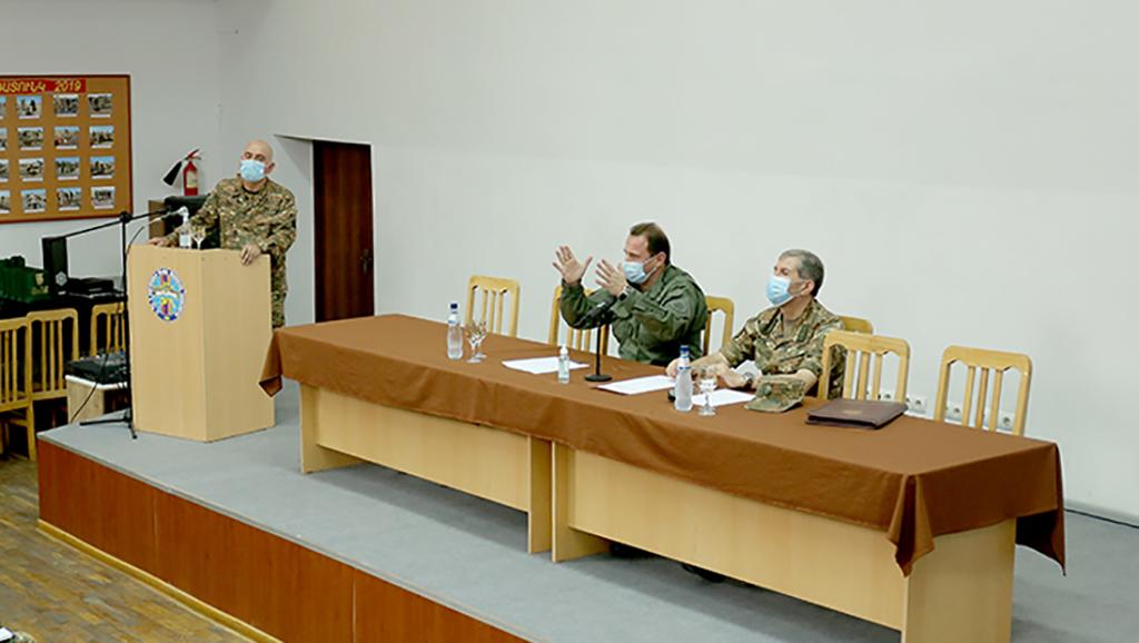 Photo of ՀՀ պաշտպանության նախարարը և ԶՈՒ գլխավոր շտաբի պետը մասնակցել են հավաքների ամփոփմանը