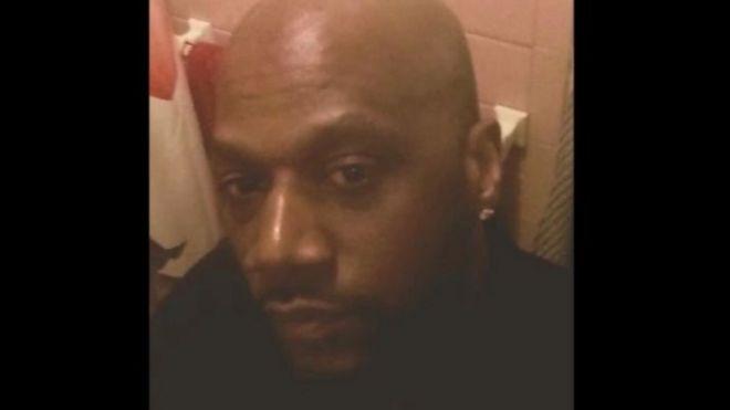 Photo of С мешком на голове. В США погиб еще один чернокожий, задержанный полицией