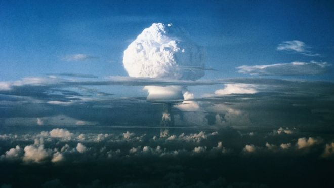 Photo of Договор СНВ: пора ли опять начать волноваться и разлюбить атомную бомбу?