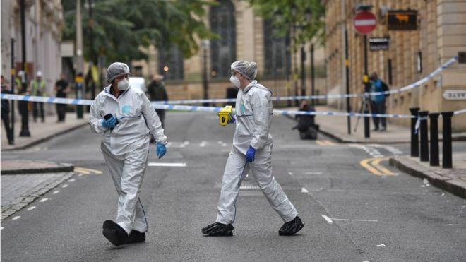 Photo of Нападения с ножом в Бирмингеме. Полиция ищет мужчину, который убил одного и ранил семерых прохожих