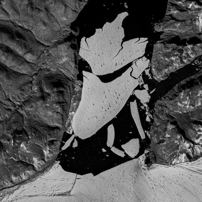 Photo of Крупнейший ледник Гренландии раскололся. Всему виной изменение климата