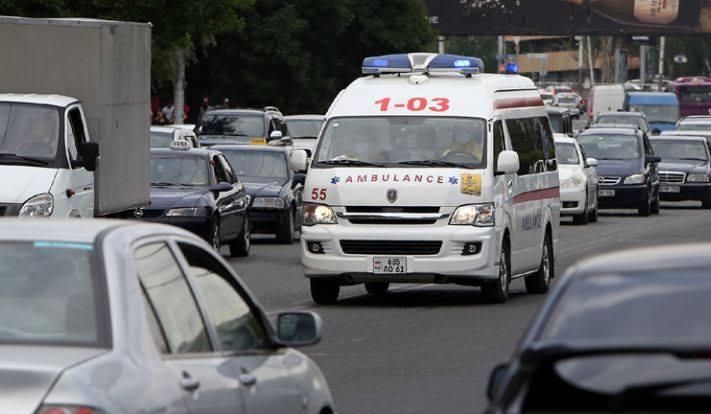 Photo of В Армавире и Ереване с предварительным диагнозом «алкогольная интоксикация» скончались 11 граждан. Министерство здравоохранения сообщило подробности