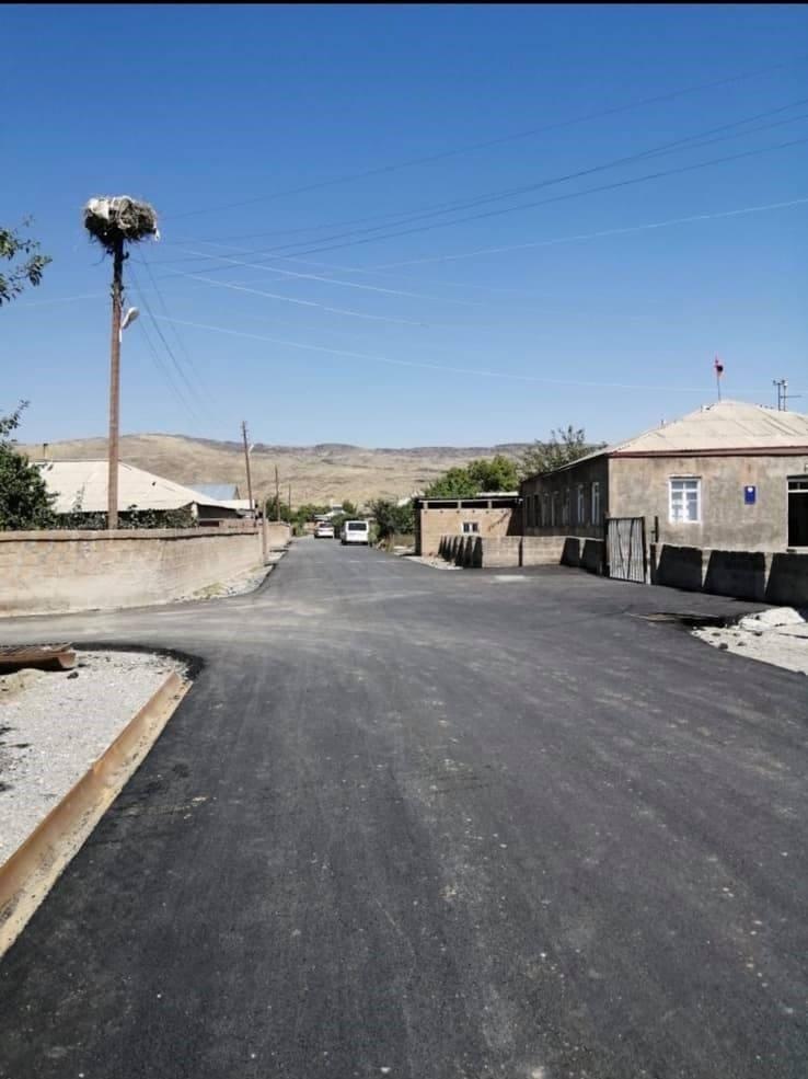Photo of Հիմնանորոգվում է Տ-3-21, Մ5-Երվանդաշատ-Բագարան ճանապարհի 2.5 կմ հատվածը