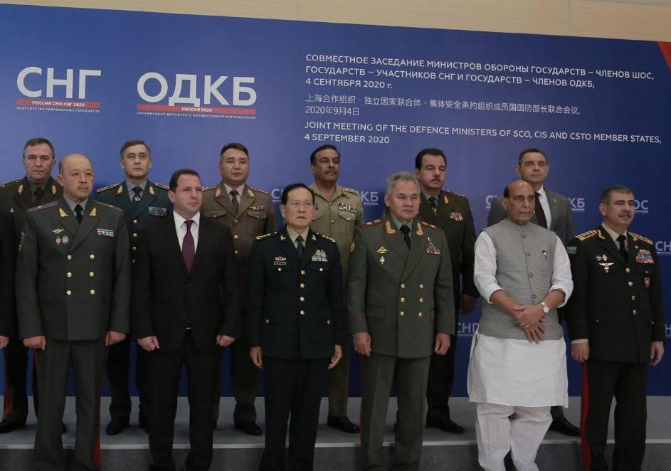 Photo of Давид Тоноян принял участие в совместном заседании министров обороны в Москве