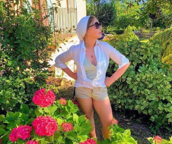 Photo of «Коротенькие шорты и ни капли целлюлита». 65-летняя Орнелла Мути очаровала Сеть
