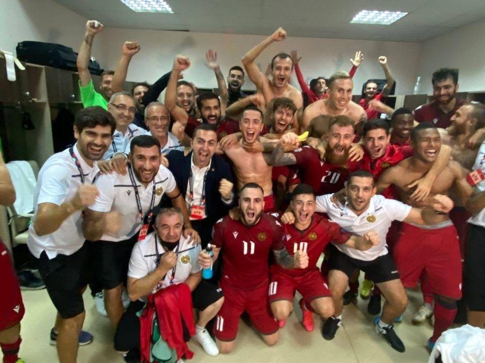 Photo of Հաղթողները. ՀՖՖ-ն լուսանկար է ներկայացրել Հայաստանի հավաքականի հանդերձարանից